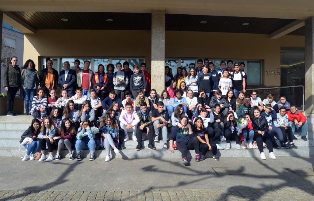 Máis de 60 alumnos de Carral e Cacheiras realizaron a clásica homenaxe aos  Mártires