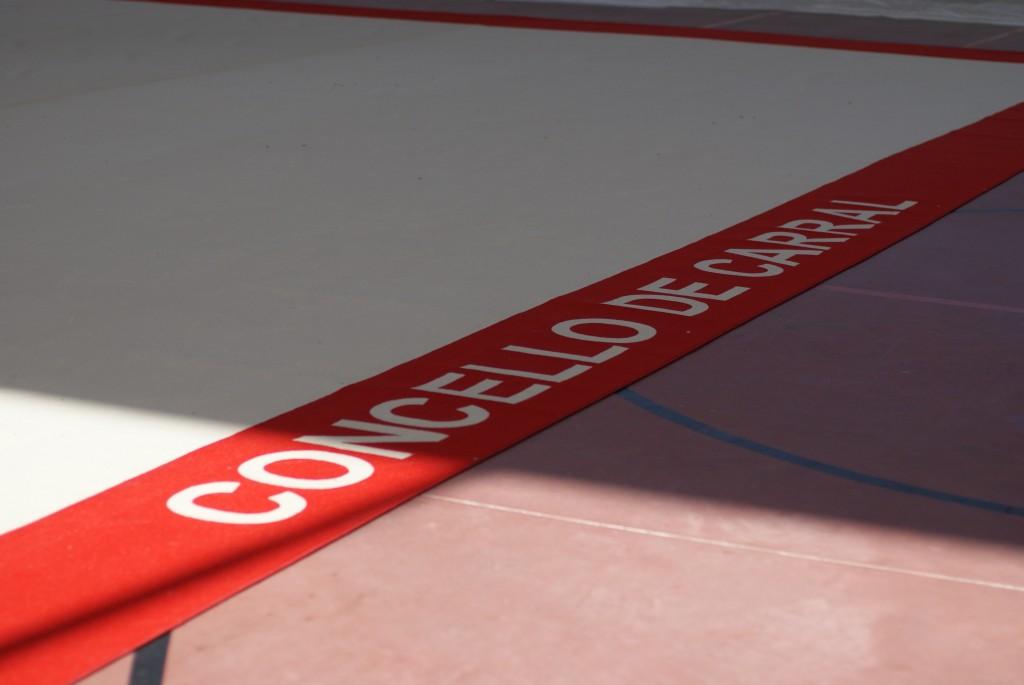 Carral adquire un novo tapiz para a escolar municipal de ximnasia rítmica