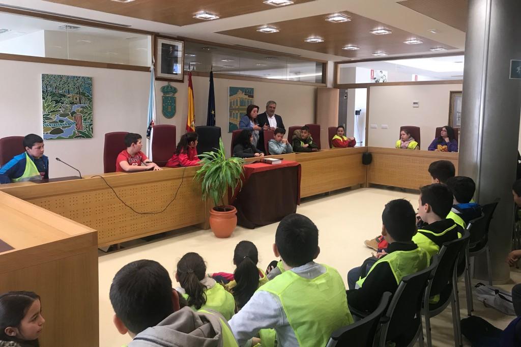 Sesenta alumnos do Vicente Otero Valcárcel convértense en concelleiros por un día
